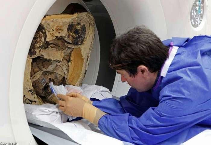Скульптура возрастом более 1000 лет хранила в себе мумию монаха