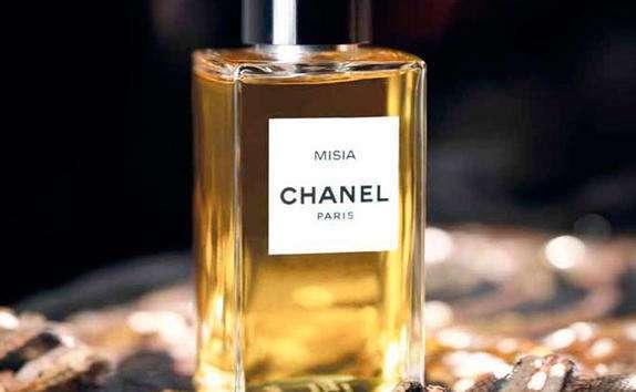 9 распространенных заблуждений о парфюме