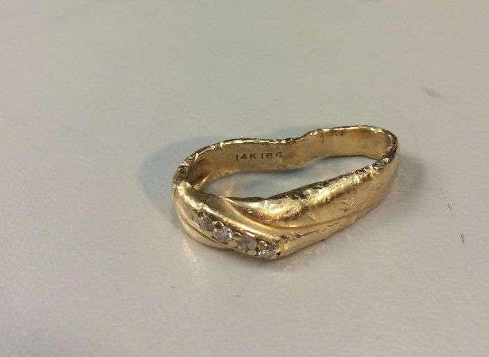 Обручальное кольцо, побывавшее в измельчителе мусора