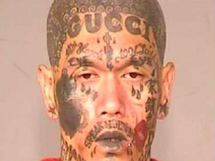 Родная мама не узнает: самые безумные татуировки на лице