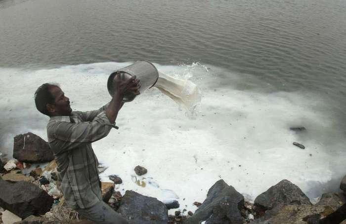 Загрязненные реки Индии