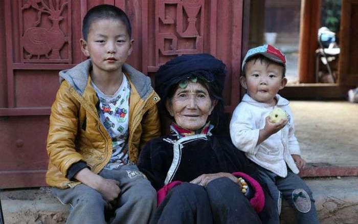Китайская земля, где до сих пор правят женщины