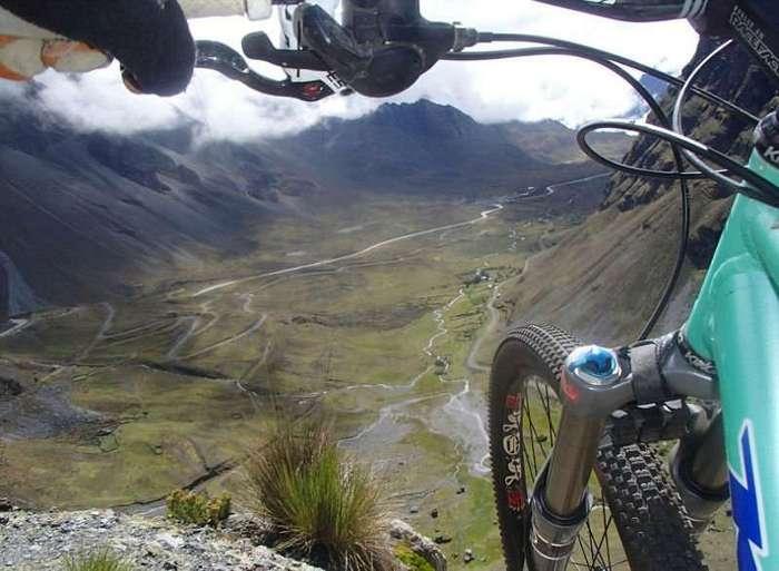 Боливийская дорога смерти - самый популярный маршрут велосипедистов