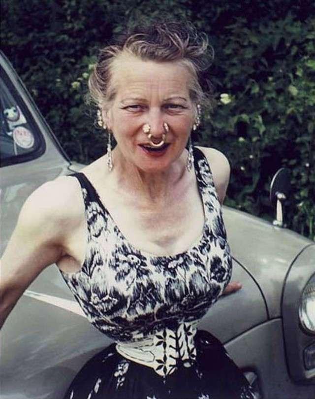 Во имя любви: женщина утянула талию до 33 см по прихоти мужа