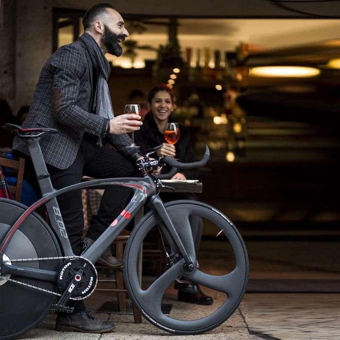 Велосипед, который разгоняется до 30 км/ч за три нажатия на педали