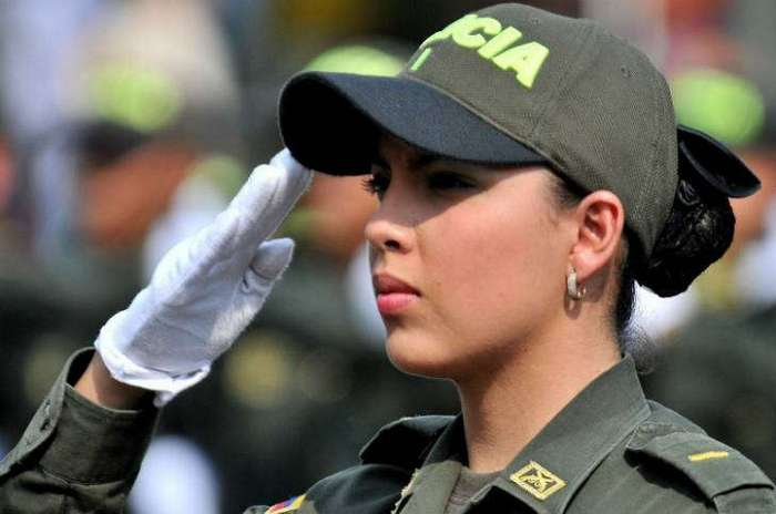 Арестуй меня немедленно! Самые милые девушки-полицейские со всего мира