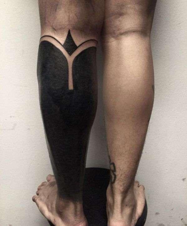 Новая мода: закрашенные татуировки