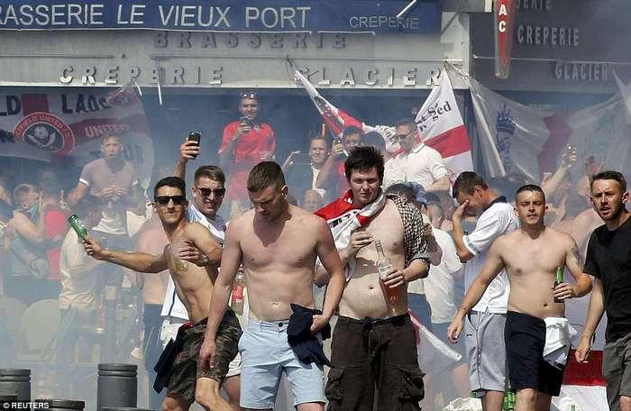 Бедный Марсель: Беспорядки между фанатами, которые не закончатся до конца чемпионата