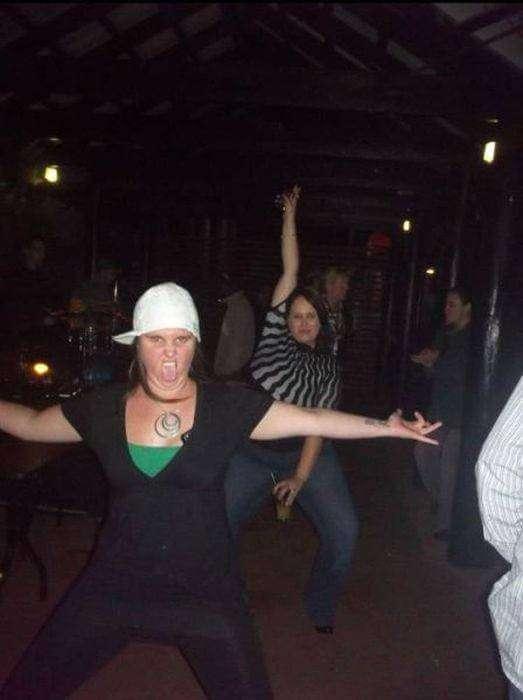 30 безумных примеров того, как не нужно вести себя в ночном клубе