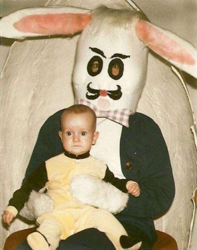 Старые детские фотографии с пасхальными кроликами, от которых волосы встают дыбом