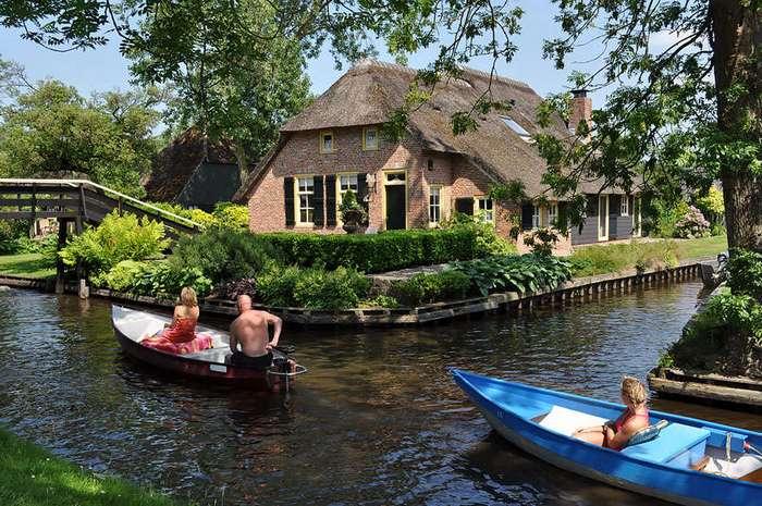 Деревня без дорог в Нидерландах