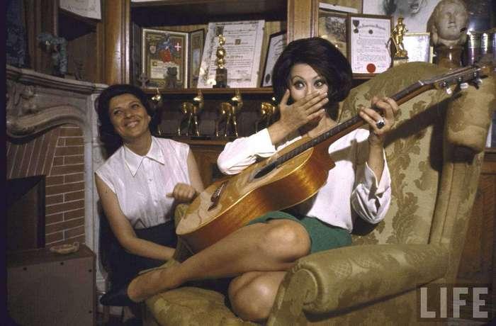 Дольче вита: неизвестные фото молодой Софи Лорен на шикарной вилле