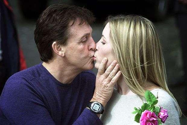 Дорогие молодожены: сколько миллионеры и знаменитости тратят на свадьбы