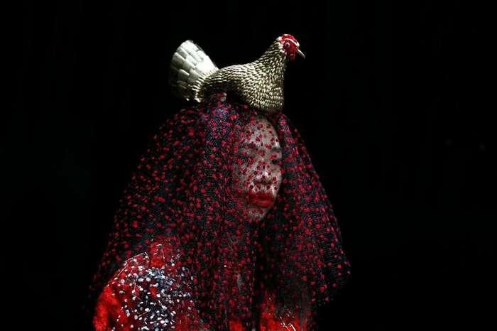 Эпатаж и буйство красок. Неделя моды в Токио 2016