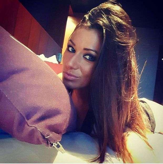 Очаровательная румынская телеведущая Роксана Ванча