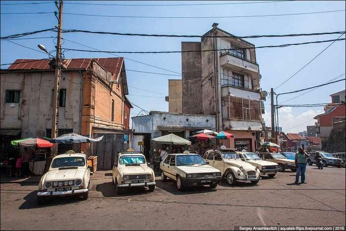 Gett Taxi по-мадагаскарски, или рай для автонекрофила