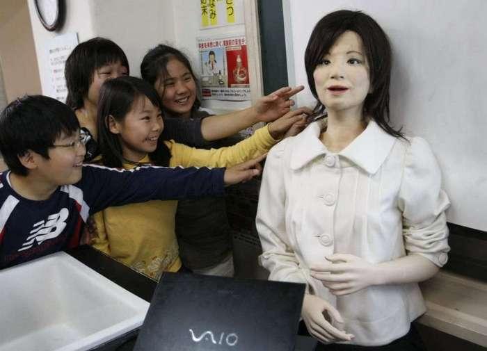 Гуманоидные роботы: почти как люди