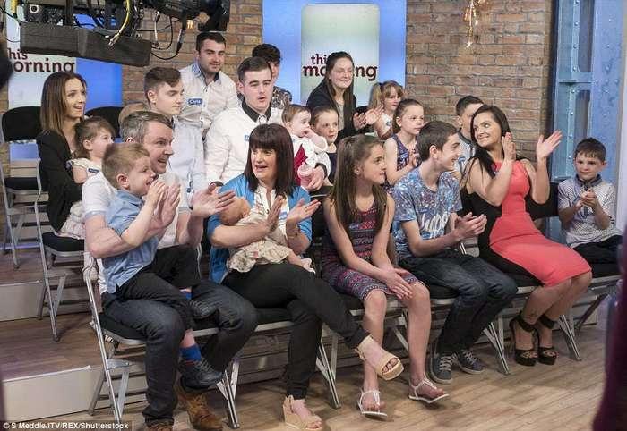 Самая многодетная семья Великобритании празднует рождение 19-го ребенка