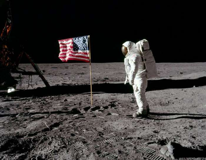 conspiracy theory the faking of americas landing on the moon Nasa's rebuttal cancelled in early november 2002 nasa announced that it was cancelling publication of a manuscript by jim oberg that was intended to refute the claims that the moon landings were a hoax.