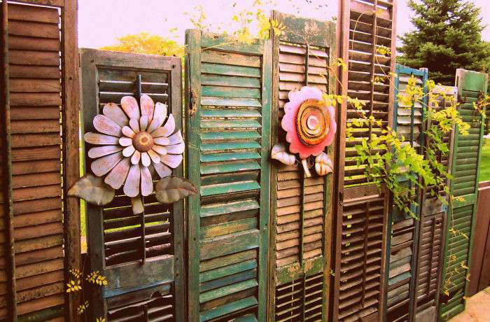 Декоративные ограждения или чем украсить забор вокруг участка