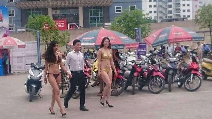Вьетнамцы раздели продавщиц электроники