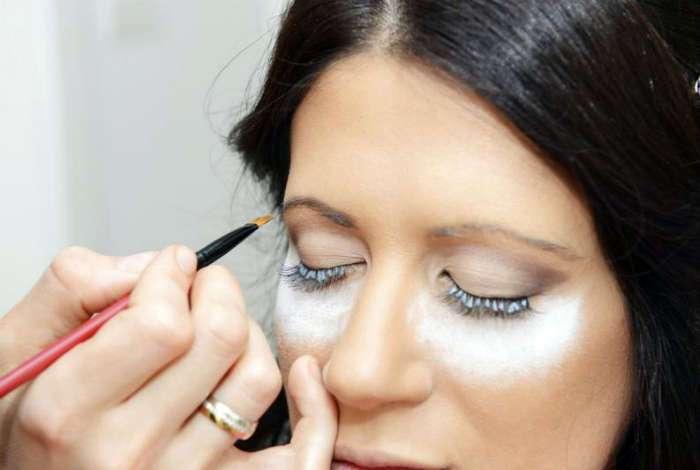 17 профессиональных хитростей макияжа и ухода за собой, о которых стоит знать каждой женщине