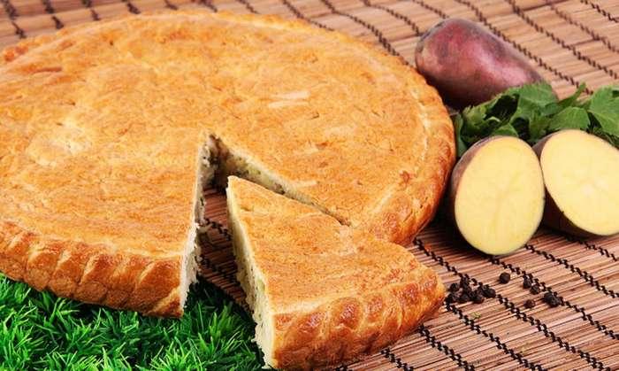 Слоеный пирог с картофелем и мясом