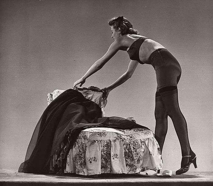 Винтажный гламур: девушки в чулках 1940-1950-х