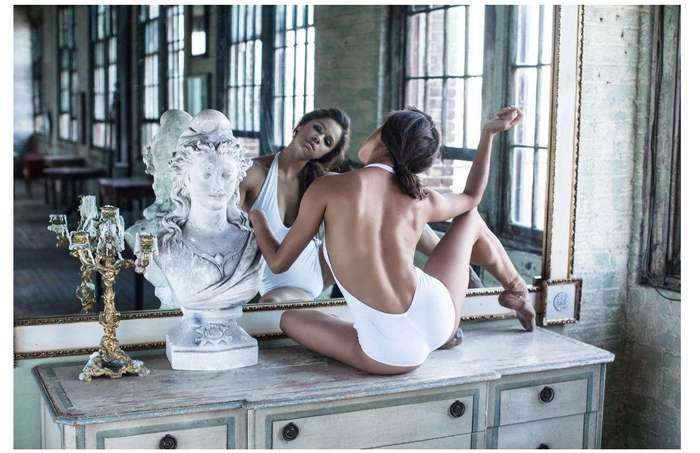 Белый лебедь черной балерины. Мисти
