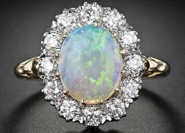 Свадебные тренды: 7 самых подходящих камней для оригинальных свадебных колец