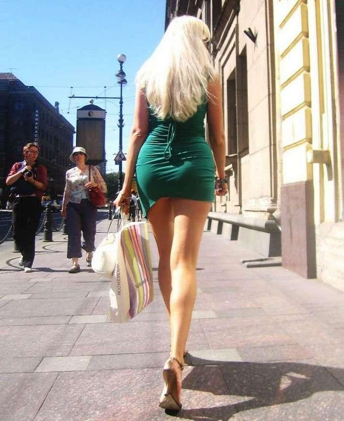 Сексуальные девушки на городских улицах
