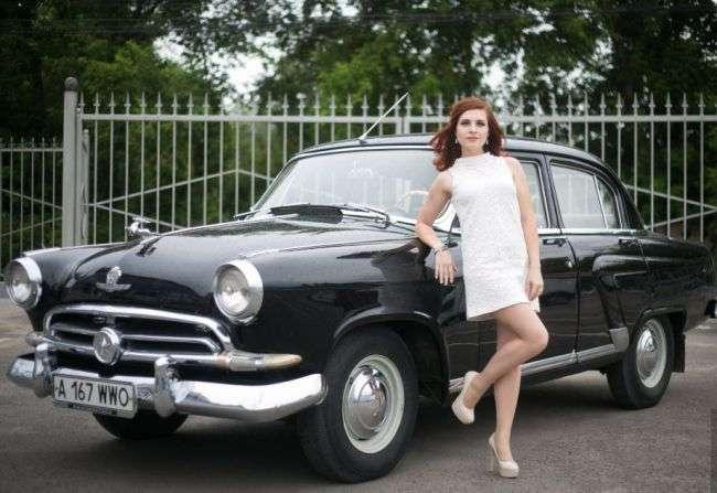 Девушки и авто в ретро стиле