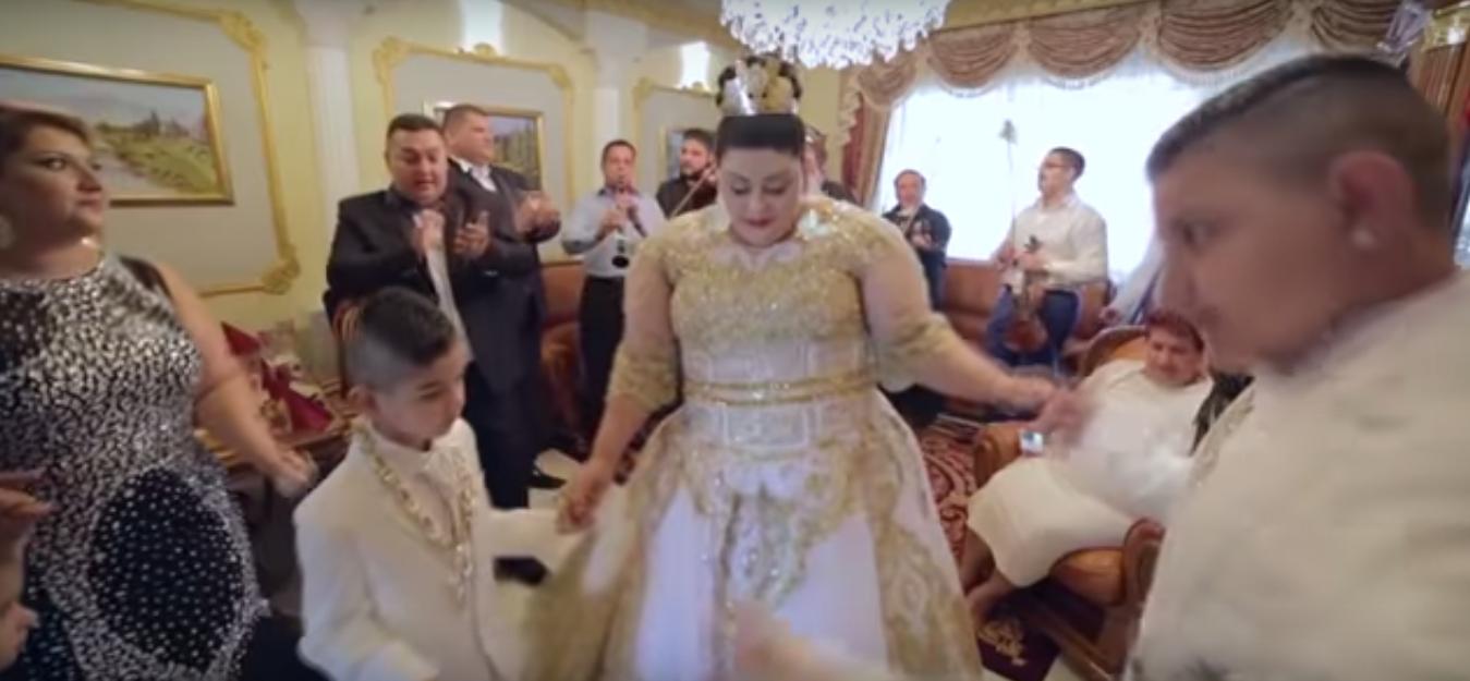 Свадьба словацких цыган взорвала интернет своей помпезностью