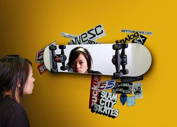 Зеркало в виде скейтборда