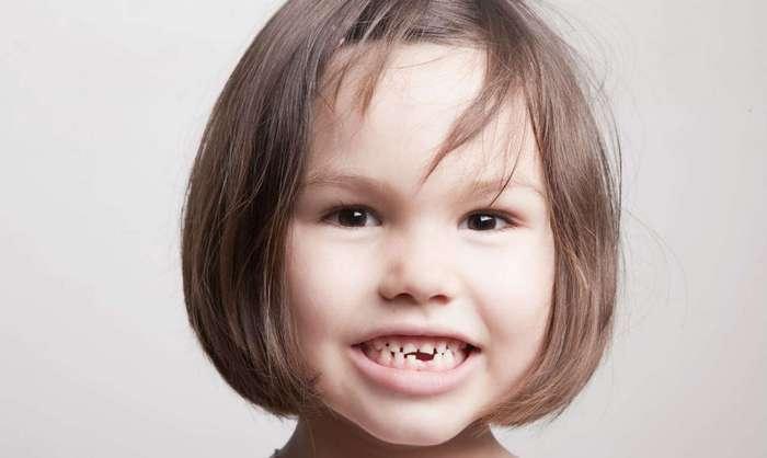 Ученые: Пластиковые бутылки приводят к разрушению зубов у детей