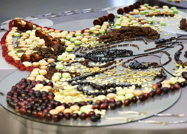 Потрясающие картины из еды, которые открываются только под определенным углом