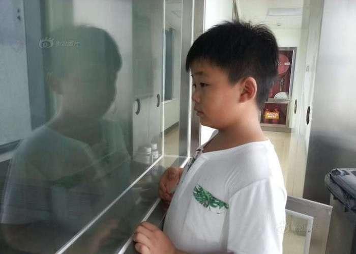 Этому мальчику пришлось потолстеть на 10 кг, чтобы спасти жизнь отцу
