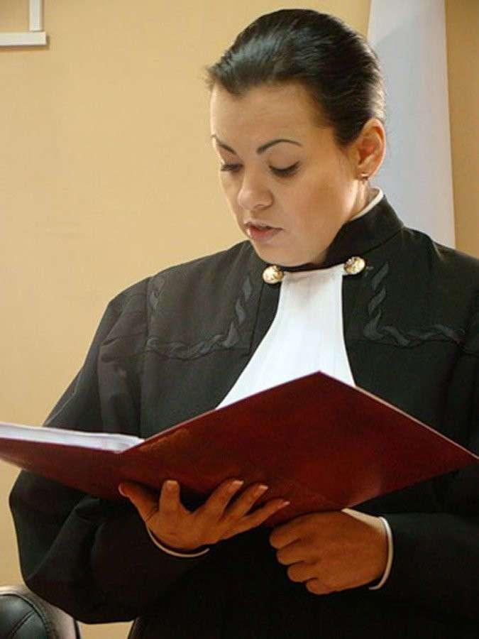 Уволены за фото: учителя, врачи и судьи, лишившиеся работы из-за фривольных фото в сети