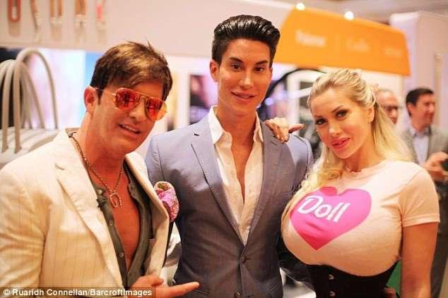 Страсть к пластике убивает личную жизнь: как Барби и Кен, сделавшие 350 операций, живут вместе