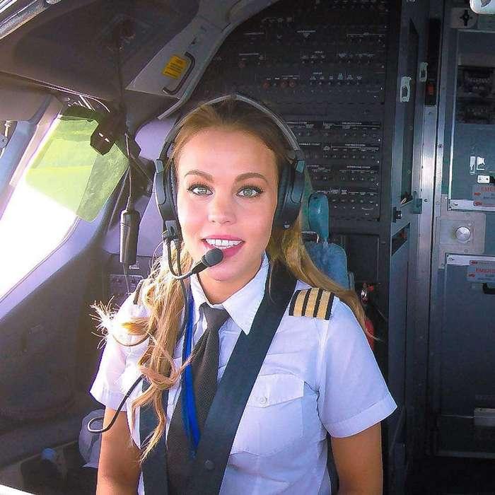 Малин Рюдквист — девушка-пилот, практикующая йогу для расслабления между рейсами