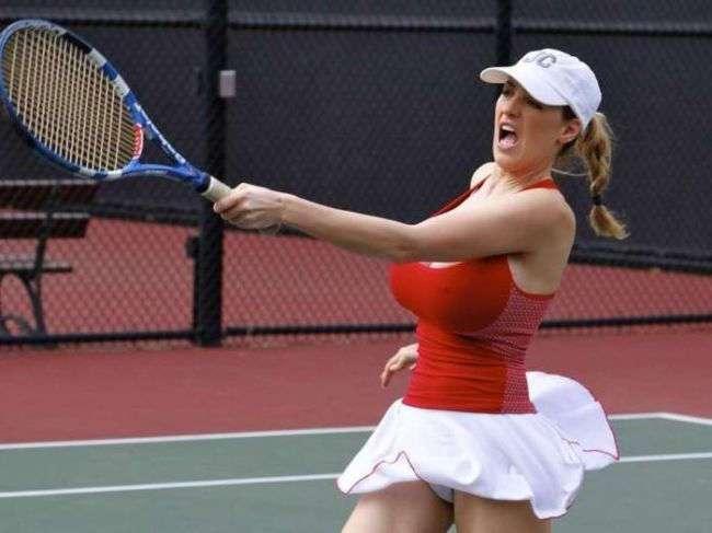 Jordan Carver играет в теннис/ Играет так себе, но внимания приковывает больше, чем сестры Уильямс