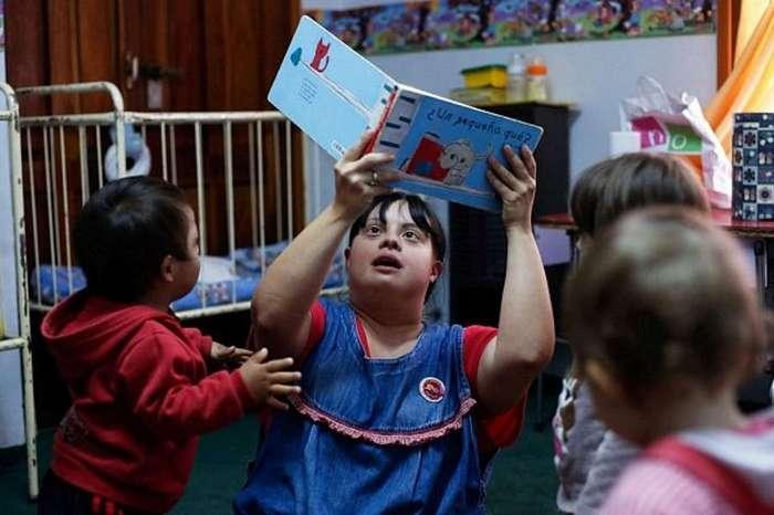 Учительница с синдромом Дауна