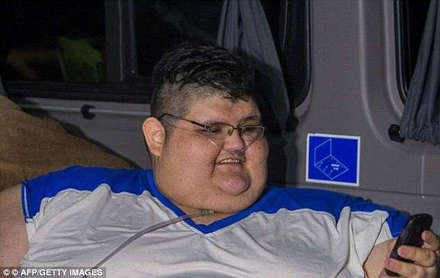 Самый толстый мужчина в мире поправился еще на 85 кг