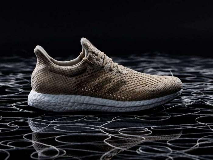 Adidas представила первые в мире биоразлагаемые кроссовки