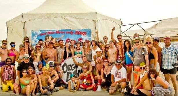 Как проходят развратные секс-вечеринки в «Куполе оргий» на фестивале в Неваде