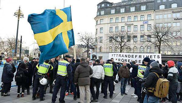 В Швеции прокуратура отпустила на свободу пятерых мигрантов, изнасиловавших женщину-инвалида
