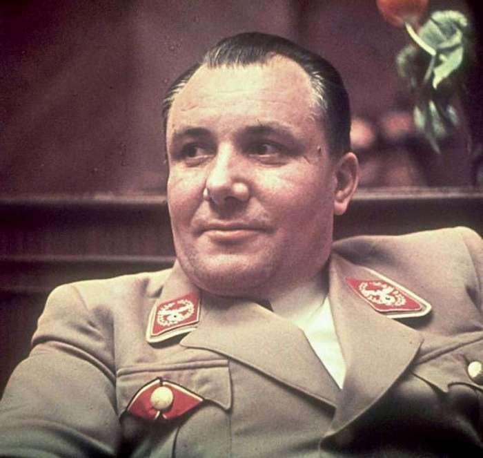 Откуда возникла легенда, что Мартин Борман - советский разведчик?