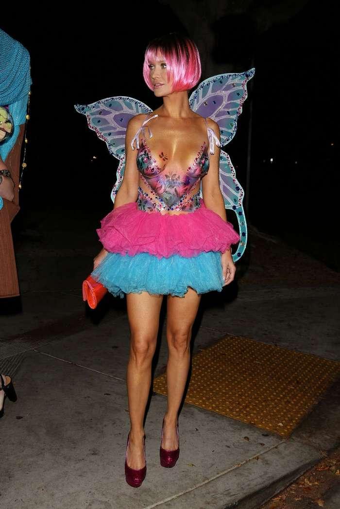 Джоанна Крупа в оригинальном костюме на Хэллоуин
