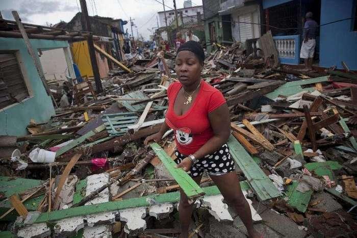 Ураган «Мэтью» обрушился на Кубу и принес жуткие разрушения