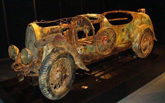 Невероятная история Bugatti, который пролежал на дне озера 73 года